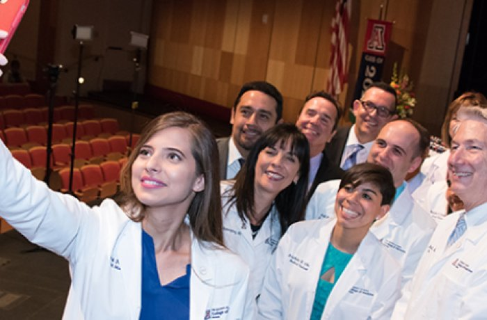 Students Take Photo with Faculty at the College of Medicine - Phoenix