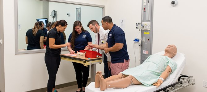 medical students doing a simulation in the Center for Simulation and Innovation